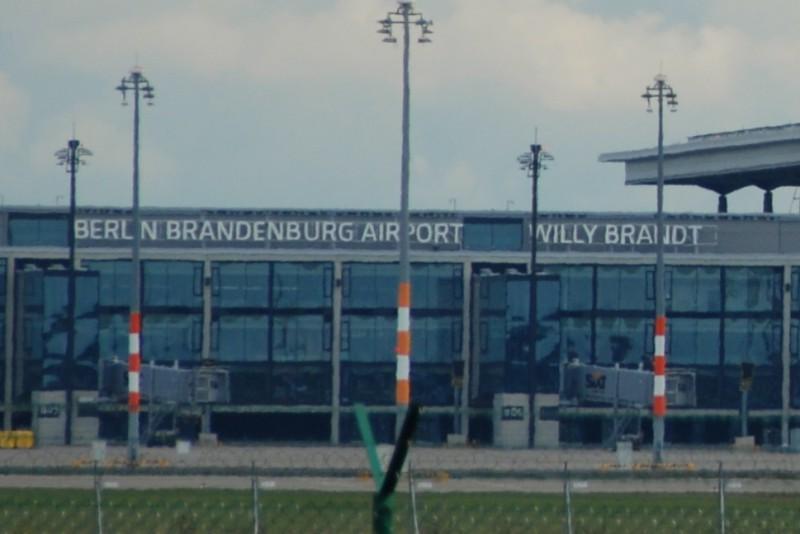 BER c) airport-regional.de