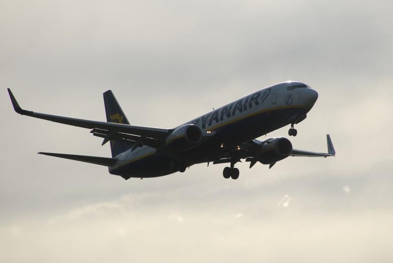 B738 Ryanair, approach L07